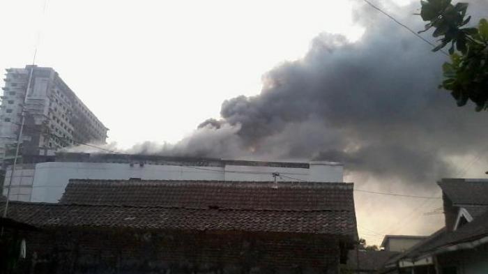 Geger! Gedung Jogja City Mall Terbakar
