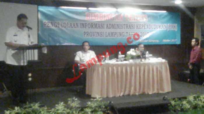 Disdukcapil Lampung Gelar Bimtek PIAK