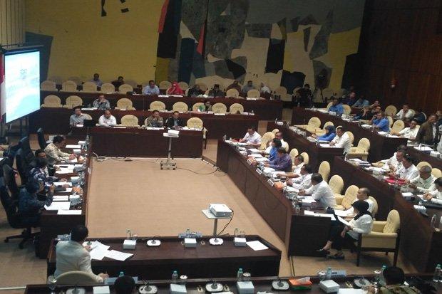 Menjelang Bahas Perppu Ormas, DPR Buka Peluang Undang HTI dan FPI