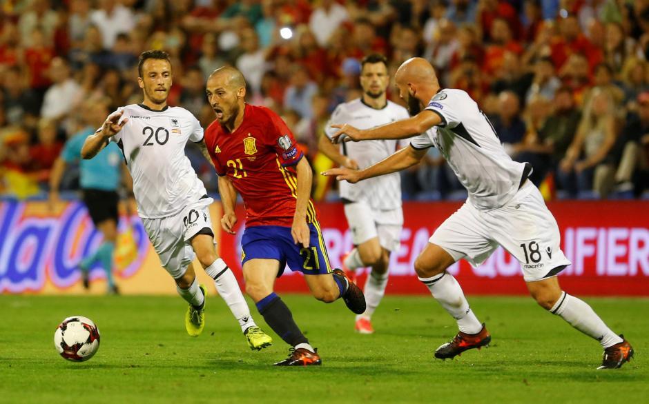 Spanyol Gasak Albania Tiga Gol, Pique Mendapat Sorakan Negatif