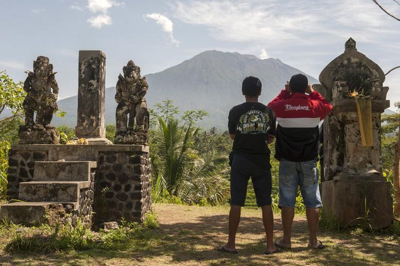 Status Gunung Agung