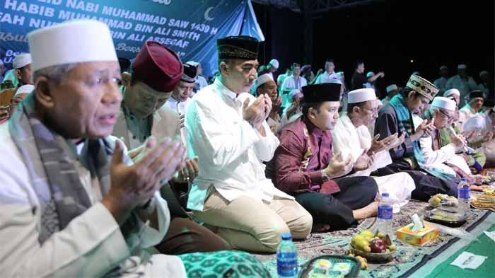 Ust. Abdul Somad Puji Masyarakat Lampung, Meski Hujan Pengajian Tetap Ramai