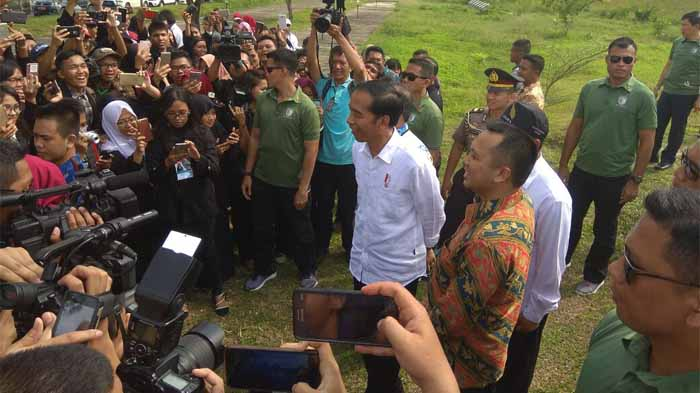 Jokowi Resmikan Jalan Tol Lampung
