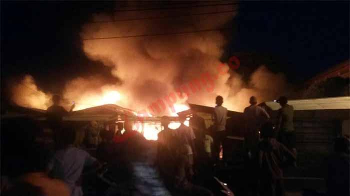 Pasar Way Halim Terbakar