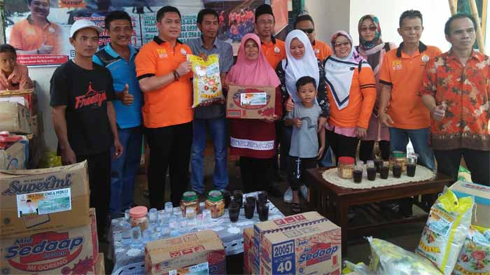 Keluarga Besar IKA FISIP Unila Salurkan Bantuan Korban Banjir Bekri