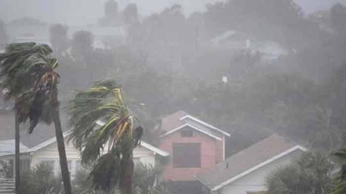 BMKG: Waspada, Lampung Hujan Lebat Disertai Angin Kencang