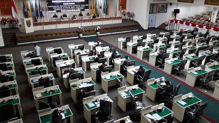 Rapat Paripurna DPRD Provinsi Lampung