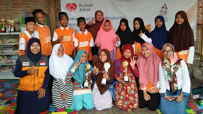 April Rumah Zakat Lampung Beri Beasiswa 109 Pelajar-Mahasiswa