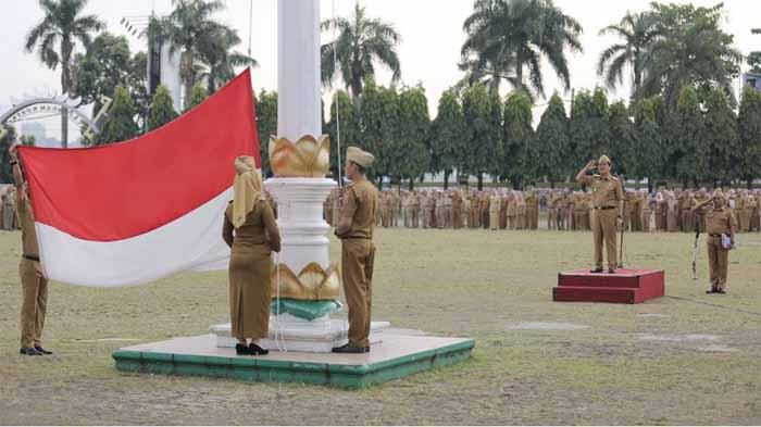 Upacara Mingguan Pemprov Lampung