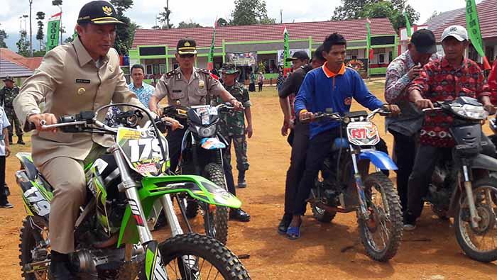 'Bupati Kopi' Parosil Mabsus Realisasikan Beasiswa Kedokteran 'Lampung Barat Hebat'