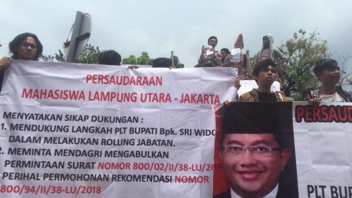 demo mahasiswa lampung-jakarta soal rolling oleh sri widodo