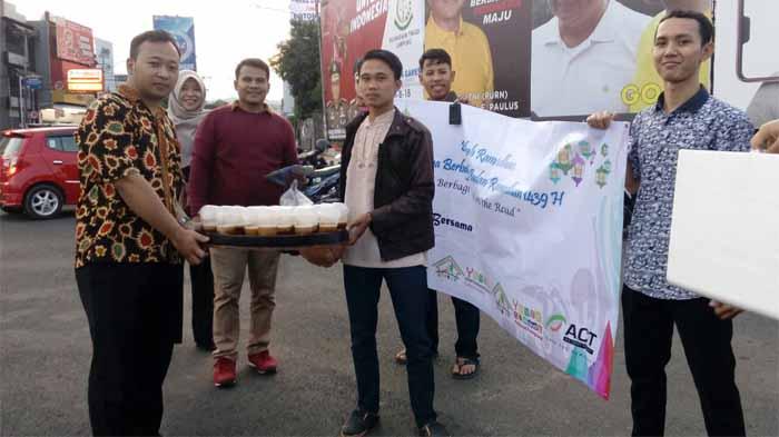 ACT Lampung Berbagi Takjil
