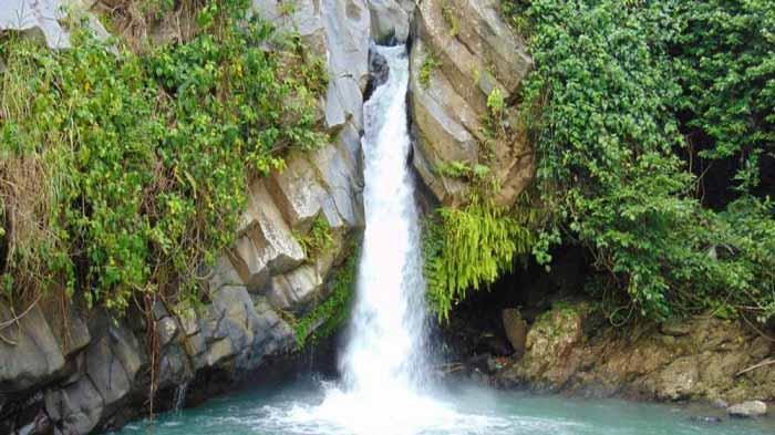 Air Terjun di Lampung
