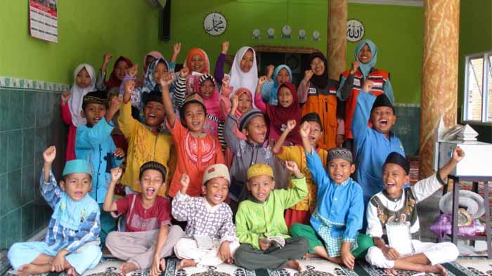 Rumah Zakat Lampung Salurkan Beasiswa