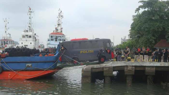 50 Napi Teroris Di Lapas Metro Lampung Dipindahkan ke Nusakambangan