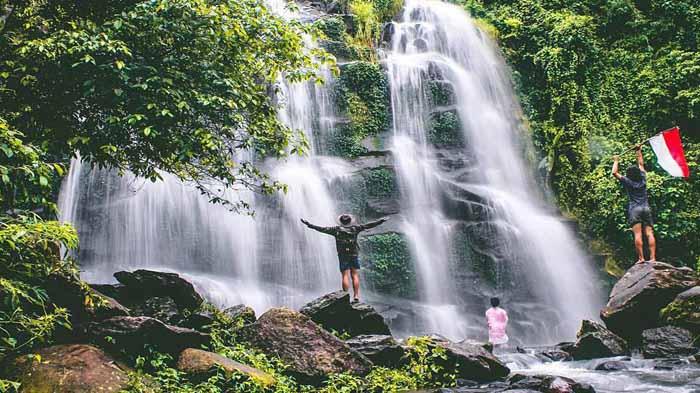 Air Terjun Di Lampung Barat