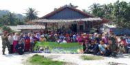 Kapal Ramadhan ACT Daratkan 50 Paket Lebaran di Pulau Tegal