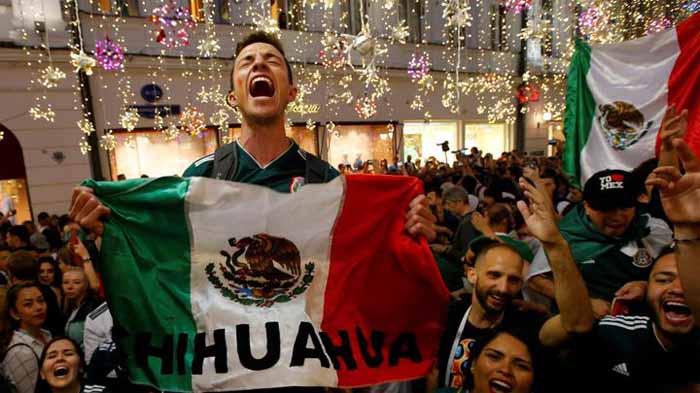 Suporter tim Meksiko