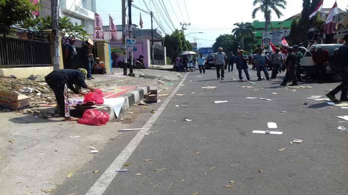 Sisi Lain: Dikala Demonstrasi Menjadi Berkah Rezeki