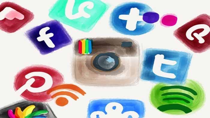 [Kolom] Dampak Media Sosial: Sisi Positif dan Negatif