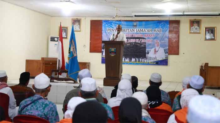 Pemkab Pesibar Sambut Jemaah Haji, Bupati: Semoga Menjadi Haji yang Mabrur