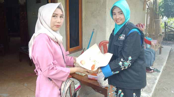 Banjir Ketibung, ACT Lampung Bagikan Paket Makanan
