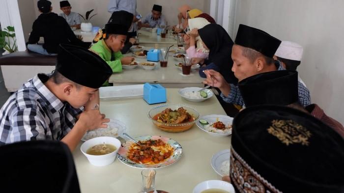 Kencleng Kemanusiaan ACT Lampung di Kuliner Mak Hera, Rezeki Untuk Anak Yatim