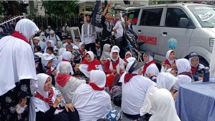Sekumpulan Emak Emak di Lampung Ikut Reuni 212