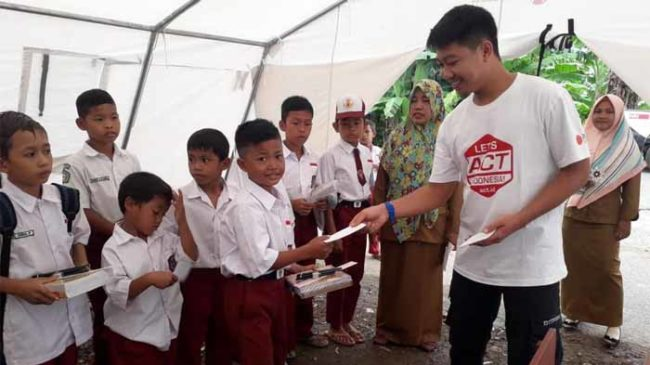 Anak Penyintas Tsunami Lampung Terima Bantuan untuk Pendidikan dari ACT