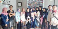 Mahasiswa Stikes Bina Husada Palembang Bantu Penyintas Tsunami Lamsel