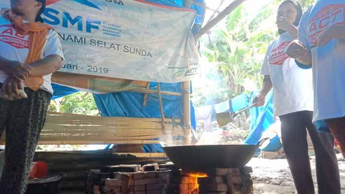 Dapur Umum SMF-ACT Bantu Ringankan Beban Penyintas Tsunami Lamsel