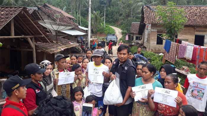 Pasca Banjir Pugung, Belasan Pelajar Butuh Perlengkapan Sekolah