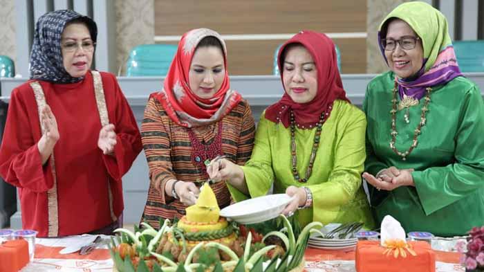 HUT PKK Lampung dan Dekranas