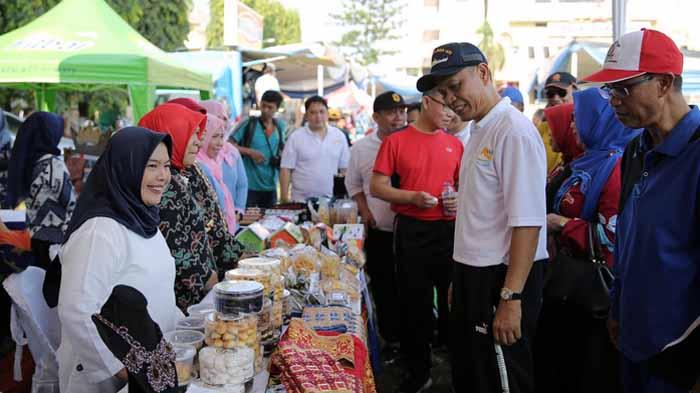 Rangkaian Acara HUT ke 55, Pemprov Lampung Gelar Lomba Senam dan Bazar