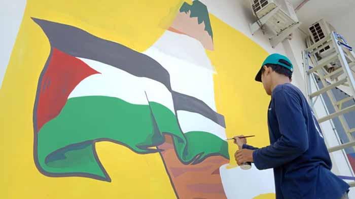 Kreatif, 'Halus Kasar' Bantu Palestina Lewat Mural Art