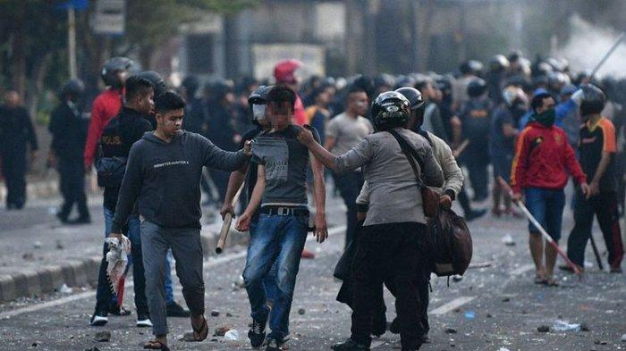Siapa Dalang Kerusuhan 22 Mei? Ini Pendapat Wiranto dan Mahfud MD