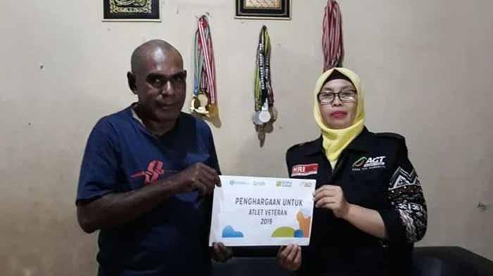 Atlet Peraih Medali Pertama Cabor Taekwondo Terima Penghargaan dari ACT