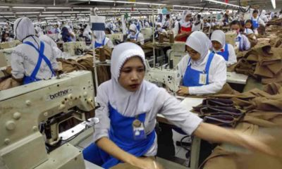 Karyawan atau Buruh